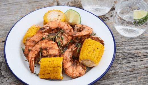海鮮料理のエビを主役にしたキャンプ飯のレシピを紹介!